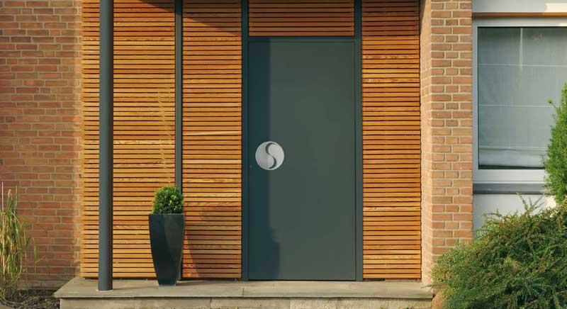 sicherheit geht vor auch bei den t ren. Black Bedroom Furniture Sets. Home Design Ideas